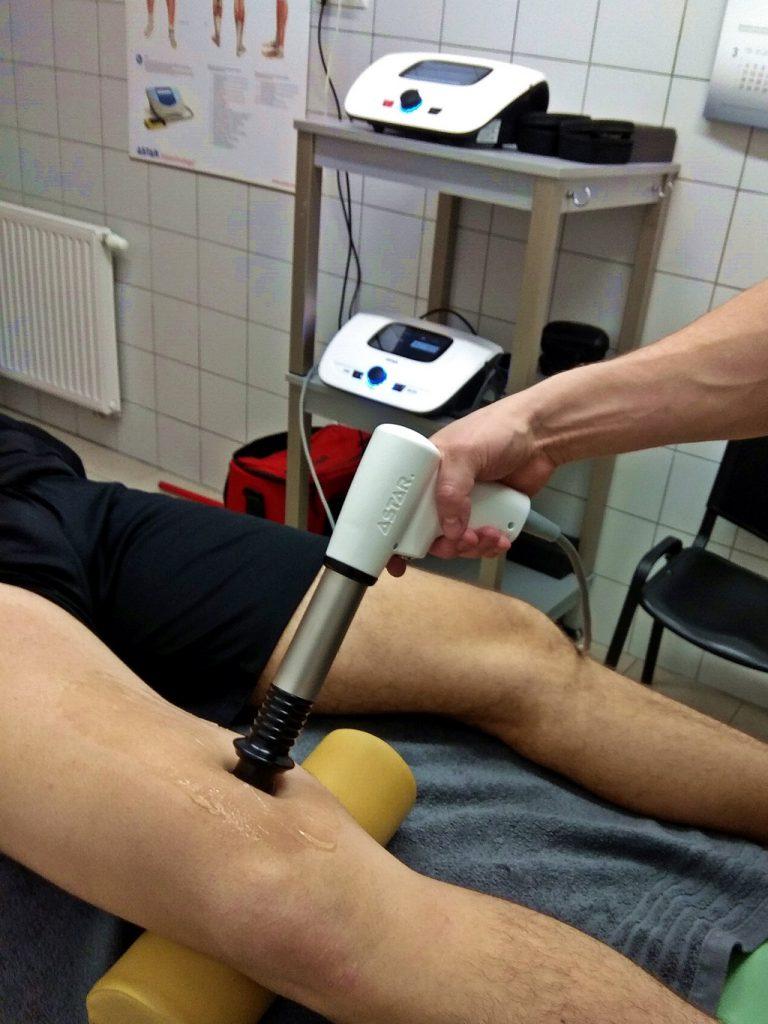 Fala udrzeniowa - naderwanie mięśnia czworogłowego uda